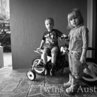 Fraternal Twins – Xavier & Jasmin